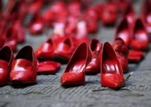 donne scarpette rosse.jpg