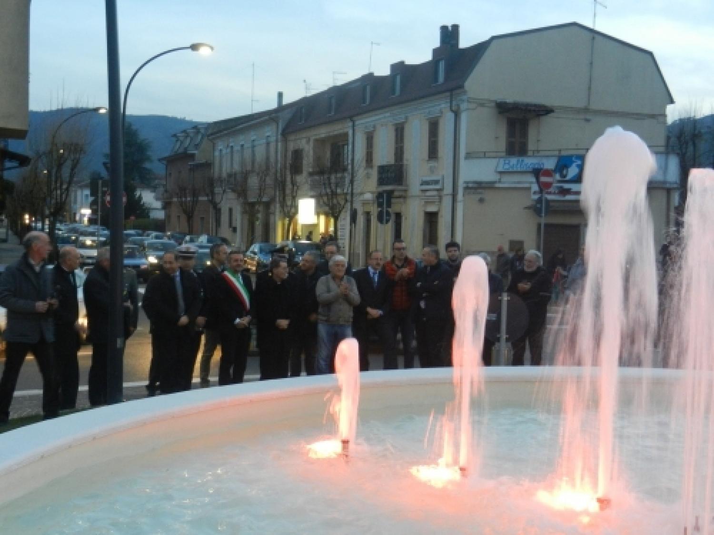 fontana piazza orlandini.JPG