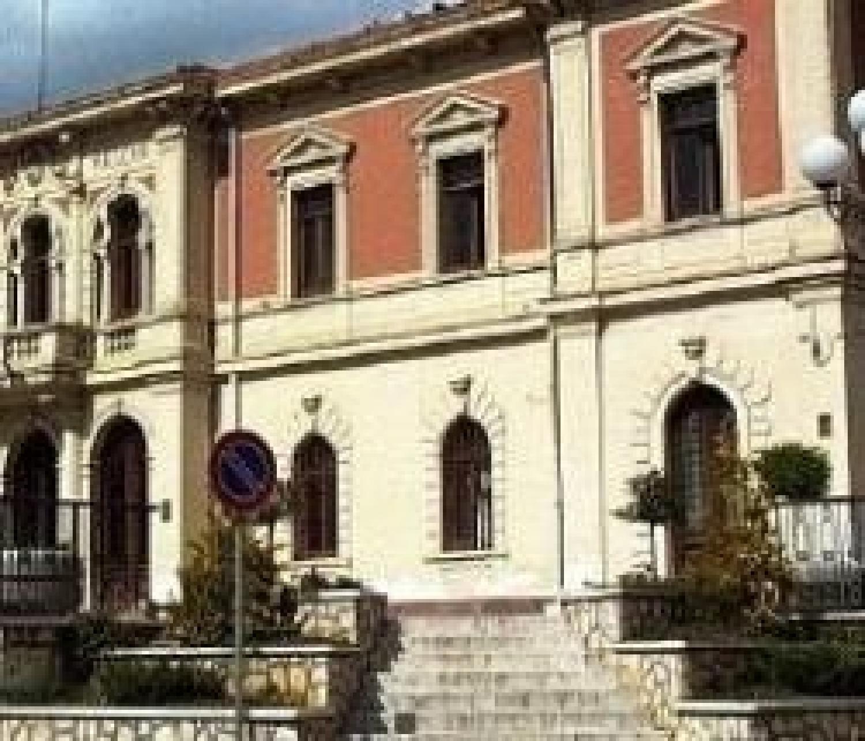 Municipio di Magliano de' Marsi.jpg