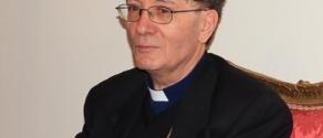 vescovo santoro.jpg