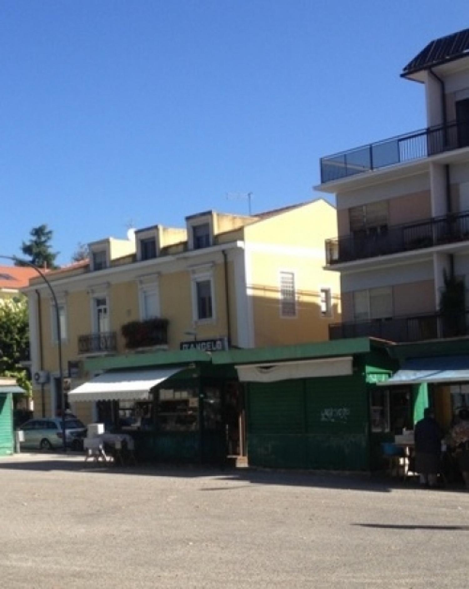 piazza del mercato.jpg