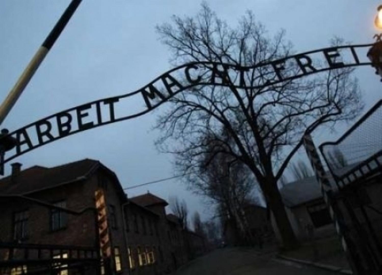 campo di concentramento.jpg