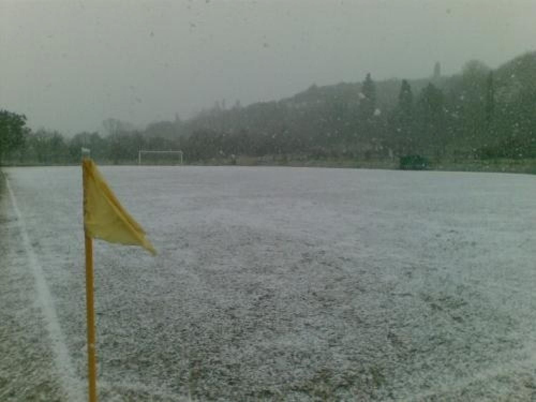 campo calcio innevato.jpg