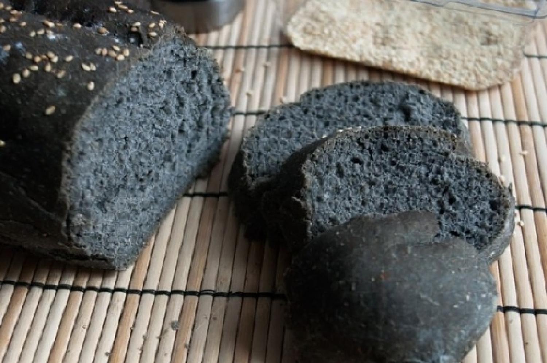 pane carbone vegetale.jpg