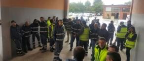 lavoratori occupano vesuvius.jpg