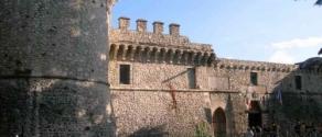 Avezzano_-_Castello_Orsini_Colonna.jpg