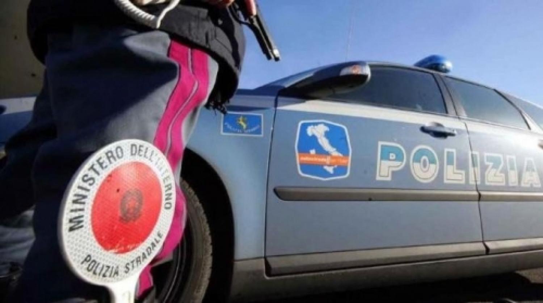 Polizia stradale.jpg